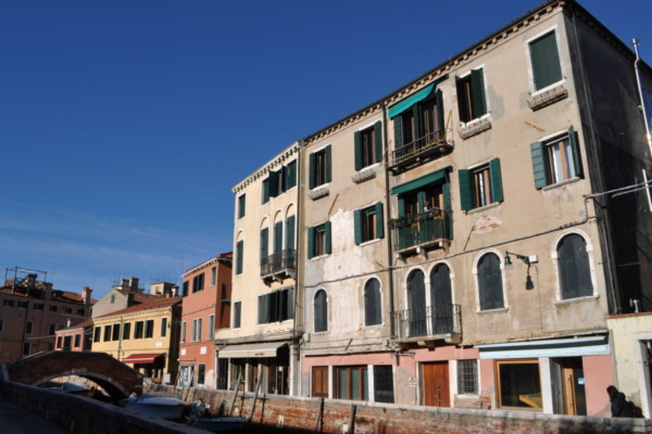 Angelo Raffaele Appartamento ultimo piano da rimodernare