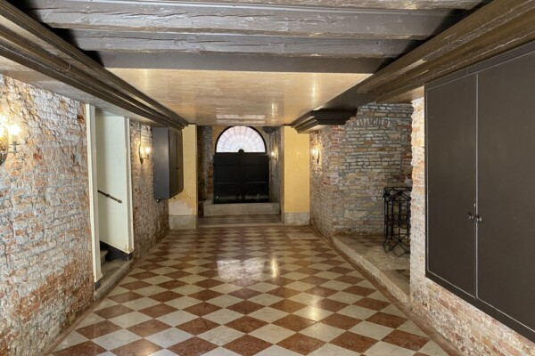 Appartamento prestigioso, centrale e restaurato