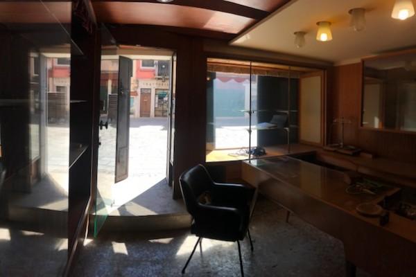 Campo San Tomà – negozio con laboratorio