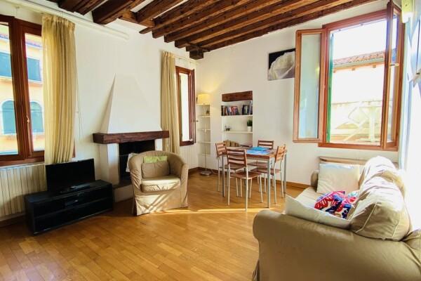 San Marco vicinanze Bacino Orseolo appartamento con terrazza