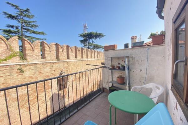 Delizioso appartamento con terrazza vista canale